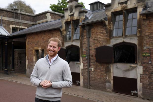 Überglücklich trat Prinz Harry auf Windsor Castle vor die Presse.