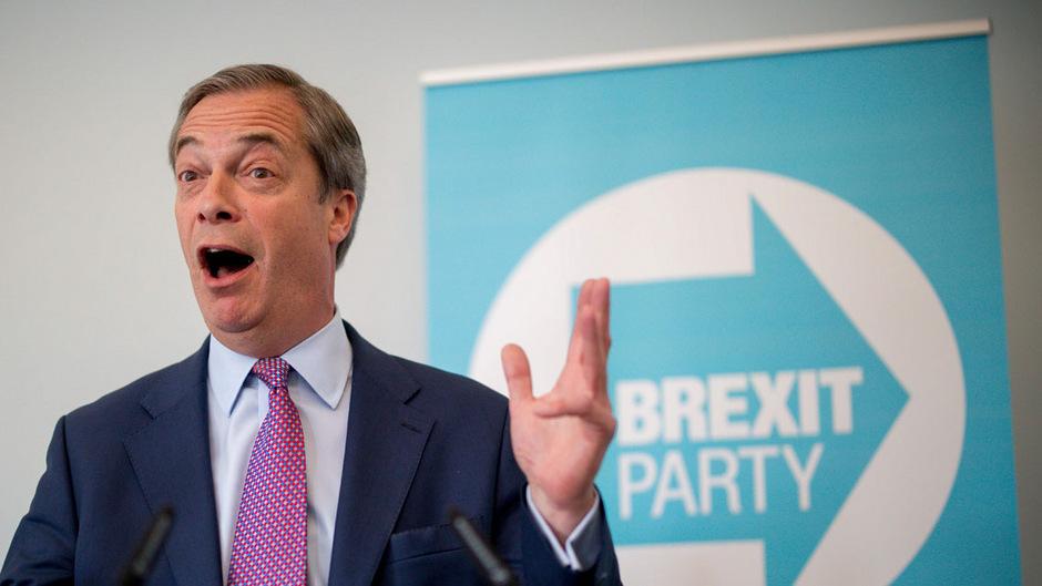 """Nigel Farage könnte als strahlender Sieger aus einer Teilnahme der Briten an der EU-Wahl hervorgehen. Seine """"Brexit Partei"""" führt in den Umfragen."""