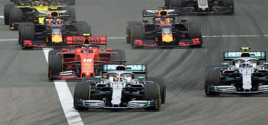 Mercedes fuhr der Konkurrenz in den bisherigen vier Saisonrennen stets davon, feierte vier Doppelsiege durch Valtteri Bottas und Lewis Hamilton.