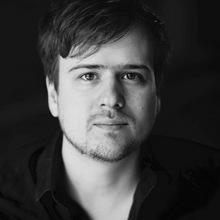 Der Tiroler Musiker und Komponist Christian Tschuggnall (31) lebt seit zehn Jahren in Berlin. Er produziert regelmäßig Musiksequenzen, die weltweit bei Filmen, TV-Serien und Shows zum Einsatz kommen.
