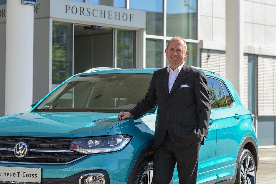 Die Porsche Holding mit Vorstandschef Hans Peter Schützinger dirigiert von Salzburg aus den Verkauf in weltweit bald 29 Länder.
