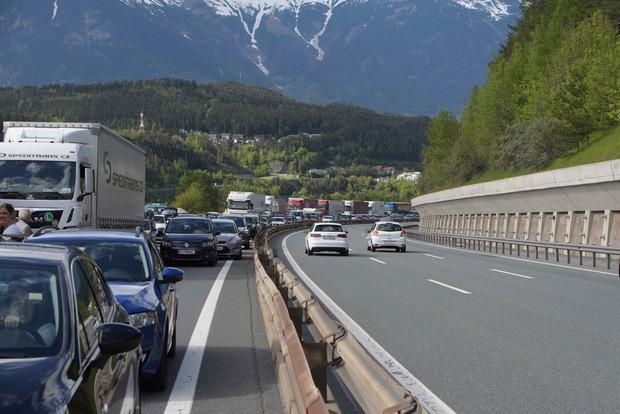 In Richtung Brenner staute es sich kilometerlang.