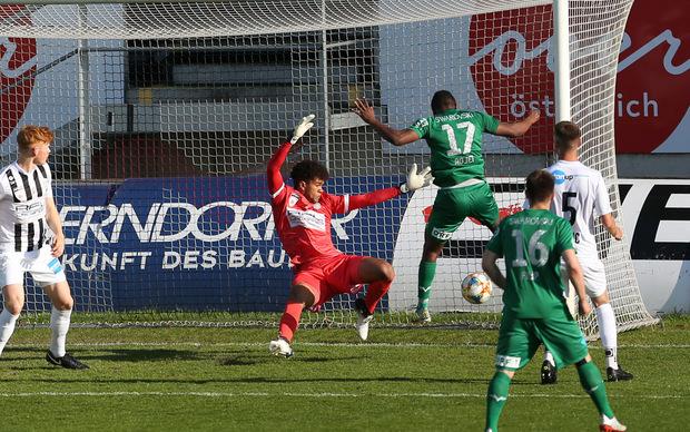 Adjei machte das Elferfoul mit einem Treffer in der 15. Minute wieder gut.