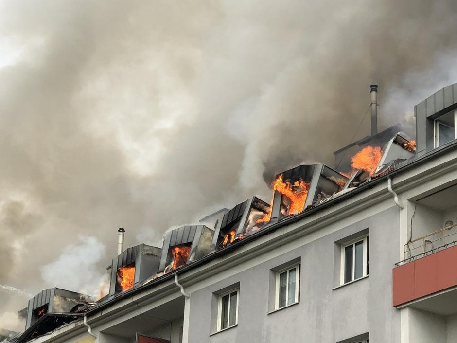 Die Rauchsäule war kilometerweit in Wien zu sehen.