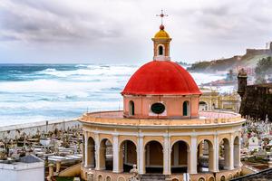 Kolumbus lebte zwei Jahre in Puerto de Santa Maria, dessen Friedhof malerisch am Meer liegt.
