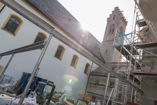 Auf dem Fundament des 1704 abgebrannten Teils entsteht ein Neubau mit Gästebereich und Pforte.