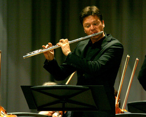 Solist Karl-Heinz Schütz.