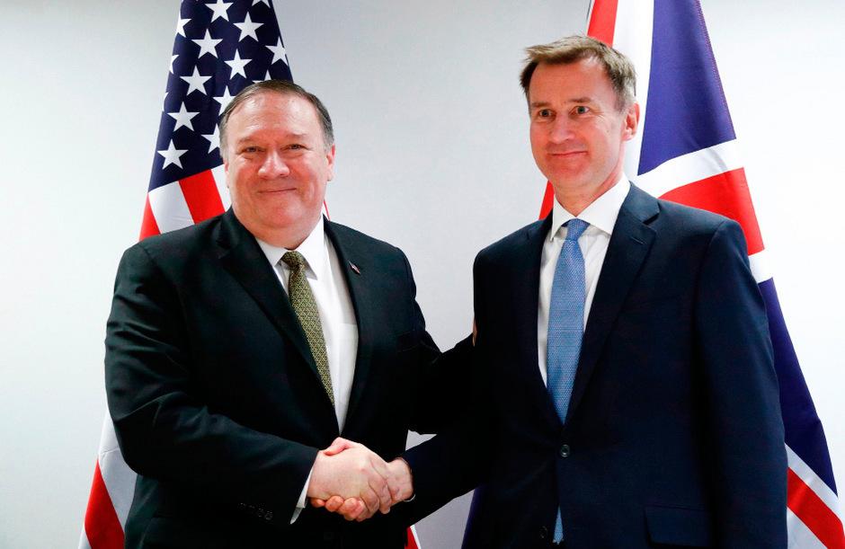 Der britische Außenminister Jeremy Hunt (r.) mit dem US-Amtskollegen Mike Pompeo.
