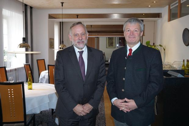 Tiwag-Vorstand Johann Herdina (l.) und Projektleiter Wolfgang Stroppa sehen die Vorhaben Tauernbach und Schwarzach positiv.