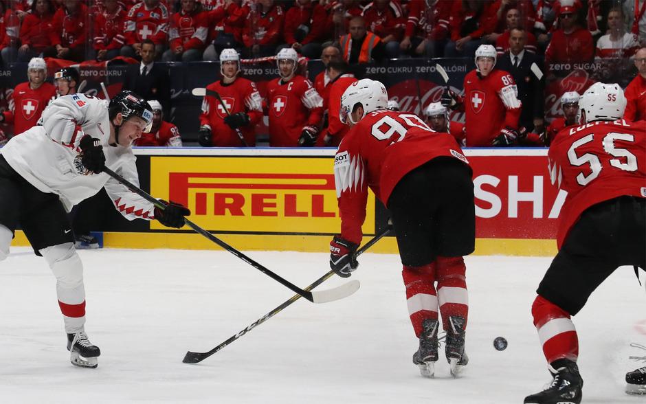 Die Mannschaft von Roger Bader lieferte den mit fünf NHL-Spielern angetretenen Eidgenossen einen beherzten Kampf.