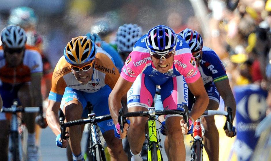 Ex-Sprintstar Alessandro Petacchi (r.) steht unter Dopingverdacht.