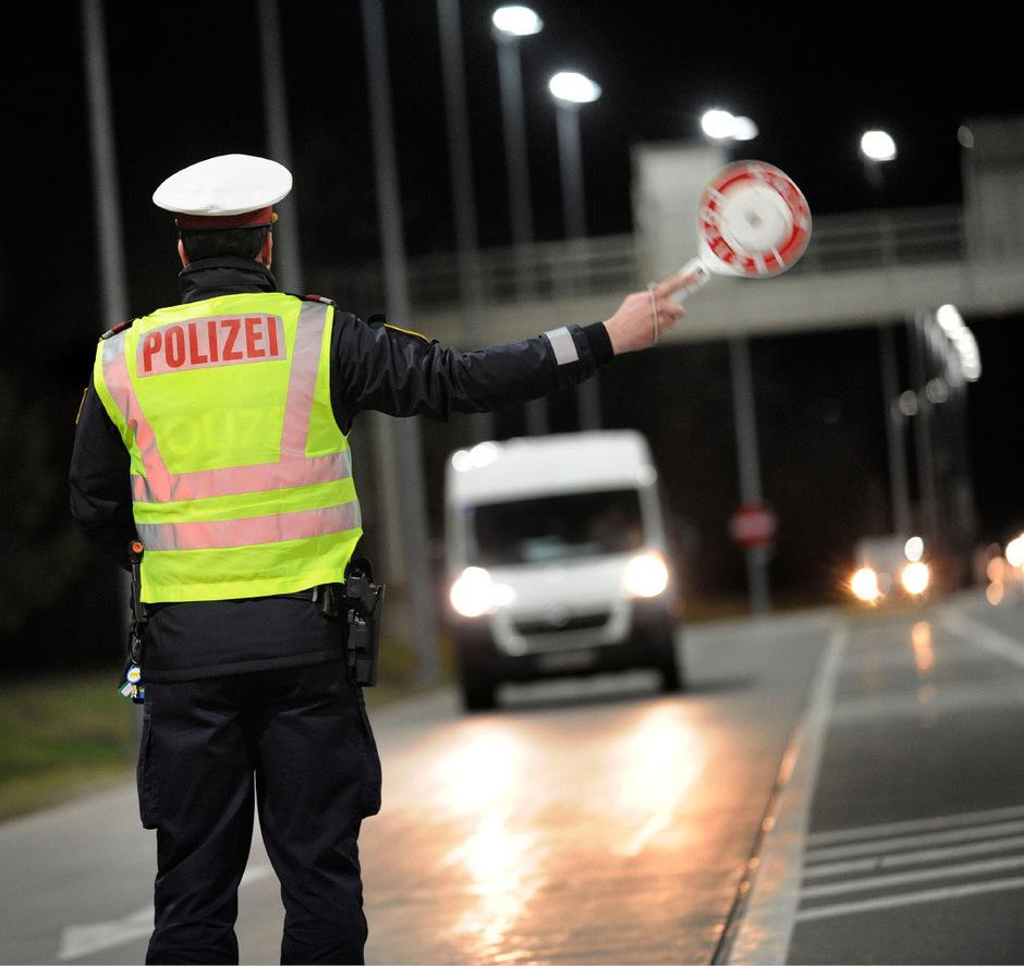 Die Kontrollen von ausländischen Lkw und Kleintransportern in Tirol zeichnen ein düsteres Bild mit Tausenden Beanstandungen.