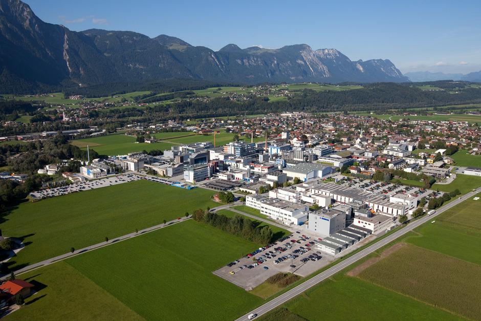 An den Novartis-Standorten Kundl (Bild) und Schaftenau sind zurzeit mehr als 4000 Mitarbeiterinnen und Mitarbeiter beschäftigt.