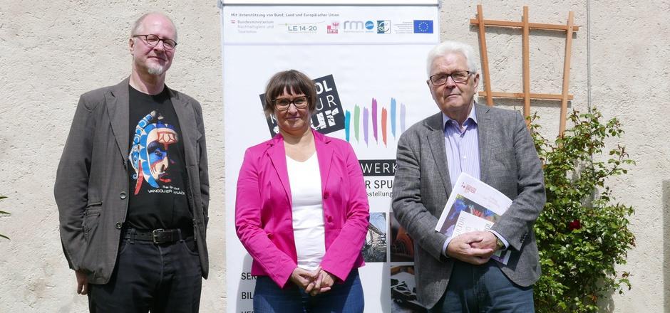 Manfred Hainzl, Claudia Moser und Richard Piock (v.l.) repräsentieren das Netzwerk Kulturspur Osttirol, das sich einer Qualitätssteigerung und Professionalisierung der heimischen Ausstellungsbetriebe widmen wird.