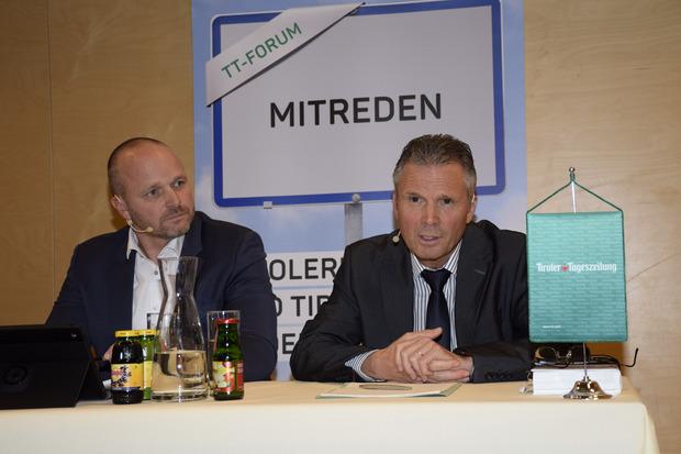 Herwig Glössl (GF Rohrdorfer Umwelttechnik GmbH) und Bezirkshauptmann Christoph Platzgummer.