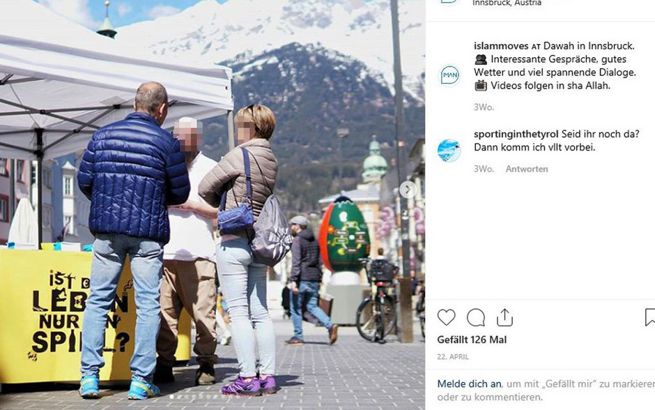 In sozialen Netzwerken wie Instagram bewirbt der Verein seine Aktivitäten massiv, wie hier am 22. April in der Maria-Theresien-Straße in der Innsbrucker Innenstadt.