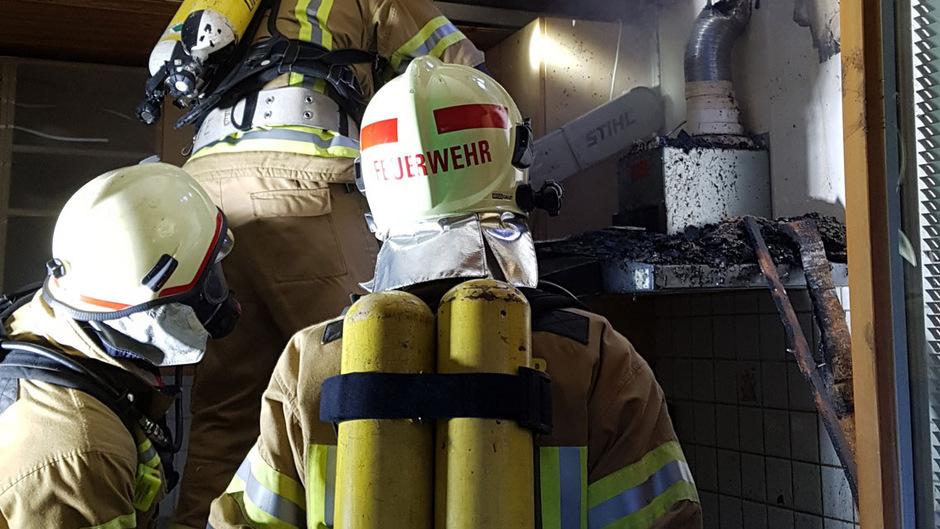 Eine Küche in Maurach fing am Donnerstag Feuer.