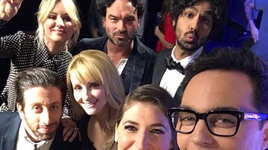 """Ein letztes gemeinsames Selfie: Jim Parsons postet ein Foto der """"Big-Bang""""-Darsteller zum Serien-Finale."""