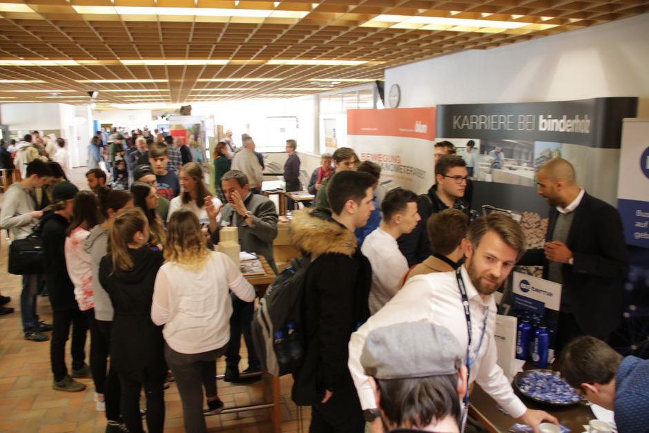 Die Firmen präsentierten sich beim IT-Karrieretag