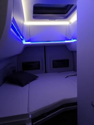 Blaue Töne liefert die Ambientebeleuchtung.
