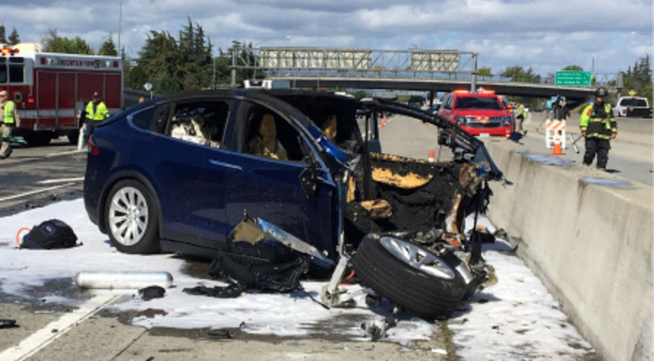Mehrere tödliche Unfälle, in denen der Autopilot das Steuer übernommen hat, bringen den US-Konzern von Elon Musk unter Druck.