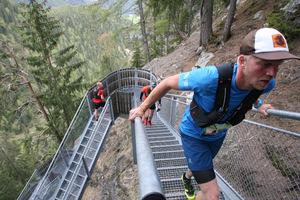 Die 728 Stufen der Stahlstiege entlang des Stuibenfalls forderten  den Teilnehmer alles ab.