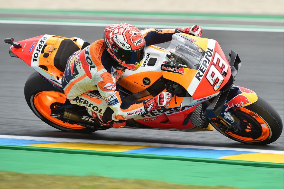 Marc Marquez raste auch im Qualifying in Le Mans auf Platz eins.
