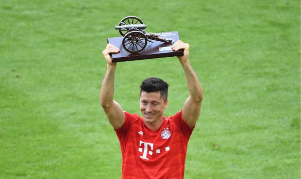 Zum vierten Mal ging die Tojägerkanone an Bayern-Stürmer Robert Lewandowski.