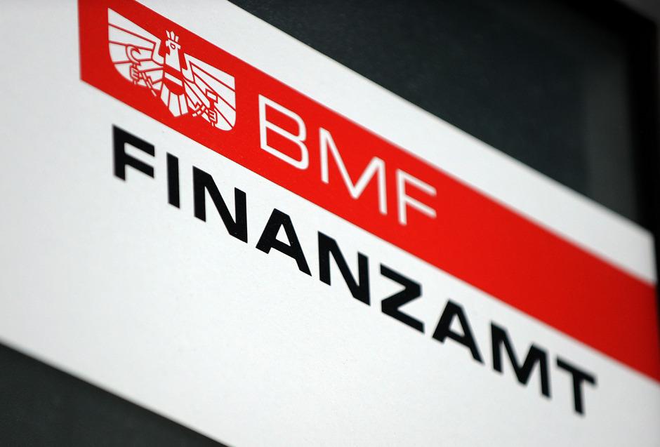 Die Staatsanwaltschaft ermittelt gegen drei Finanzprüfer.