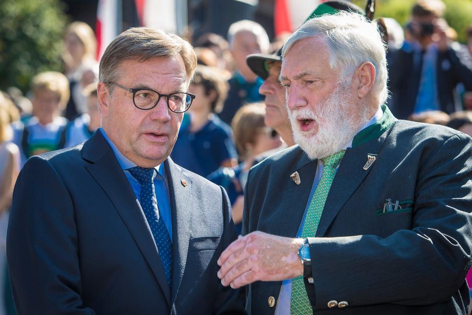 Platter informierte am Montag den Parteivorstand über die Situation im Bund, Fischler könnte sich nach Wahl VP-Minderheitsregierung vorstellen.