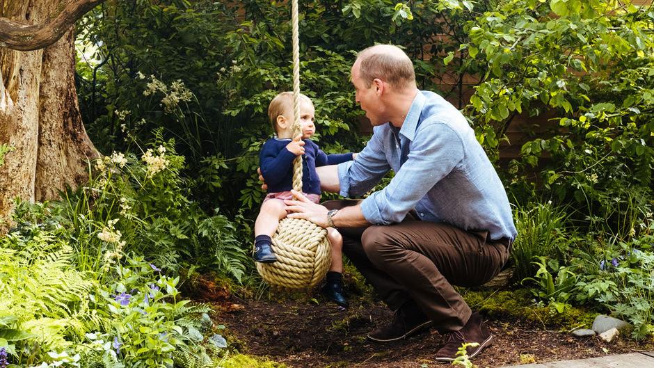 Prinz William mit seinem kleinsten Spross, Prinz Louis.
