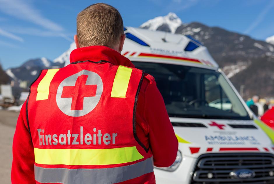 Die Rot-Kreuz-Bezirksstellen sind mit ihren Systempartnern das Rückgrat des Rettungsdienstes in Tirol. Sie betreuen 320.000 Patienten.