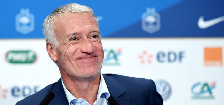 Deschamps fühlt sich geehrt, bleibt aber lieber Frankreich-Coach.