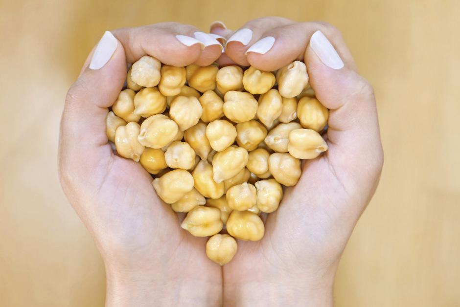Klassischer Hummus wird überwiegend aus Kichererbsen gemacht.