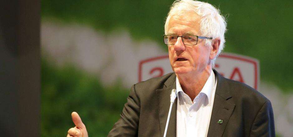 Wacker-Präsident Gerhard Stocker hat den Klassenverbleib nicht mehr selbst in der Hand.