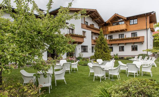 Das Bio-Hotel Schweitzer sieht von außen wie ein konventionelles Hotel aus.
