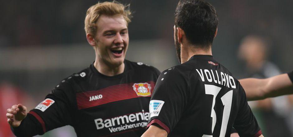 Julian Brandt (l.) wechselt von Leverkusen zum BVB.