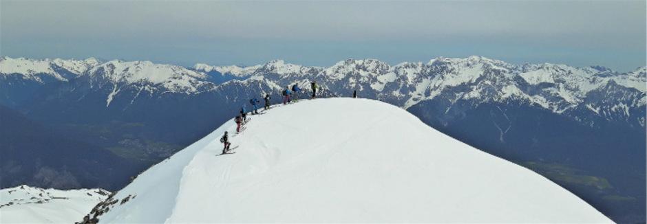 Vom Gipfel des Pirchkogel aus genießt man einen super Ausblick ins Inntal.
