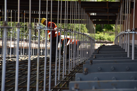 Die Bauarbeiten laufen auf Hochtouren.