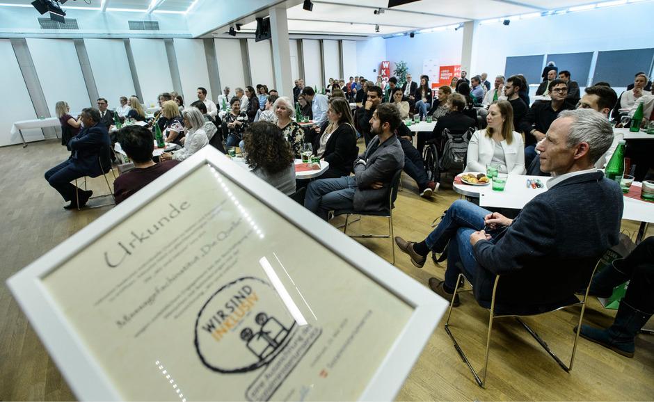 Im Rahmen der Verleihung hatten die Unternehmen Gelegenheit zum Erfahrungsaustausch.