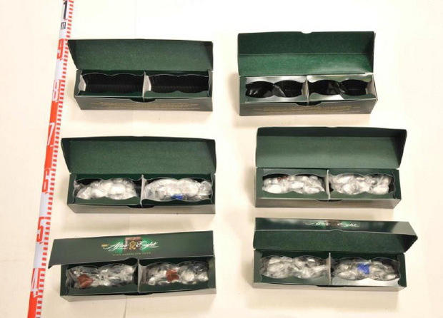 Der Tiefkühler in der Pradler Wohnung enthielt nicht nur Lebensmittel, sondern auch Drogen, die in scheinbar originalverschweißten After-Eight-Packungen versteckt
