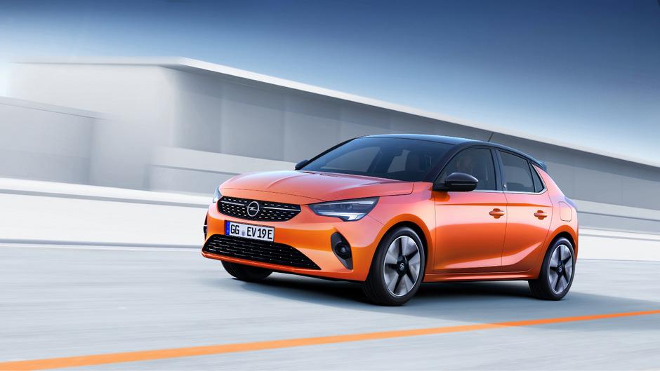 Der Corsa-e ist mit einem 136 PS starken Elektromotor bestückt, der den Kleinwagen in 8,1 Sekunden von null auf 100 km/h beschleunigt.