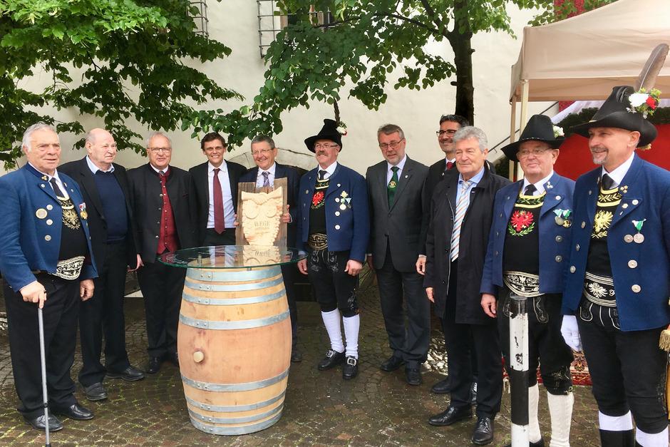 Mit einem Festakt in Kurtatsch, an dem auch Südtirols Landeshauptmann Arno Kompatscher teilnahm, wurde die Gemeinde-Partnerschaft zwischen Tulfes und Kurtatsch besiegelt.