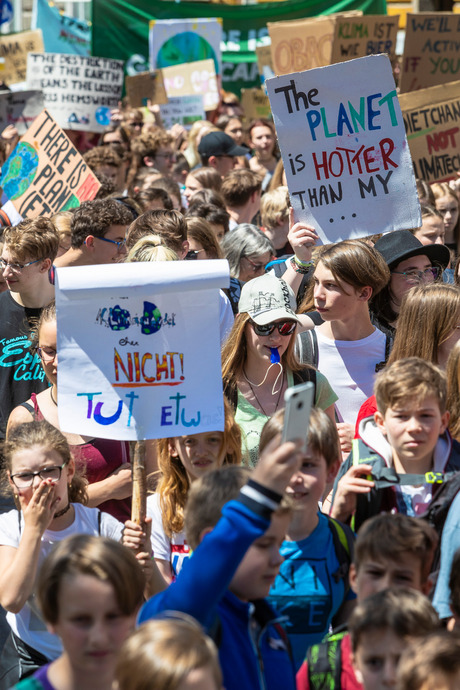 Schüler und Studenten aller Altersklassen demonstrierten mit.
