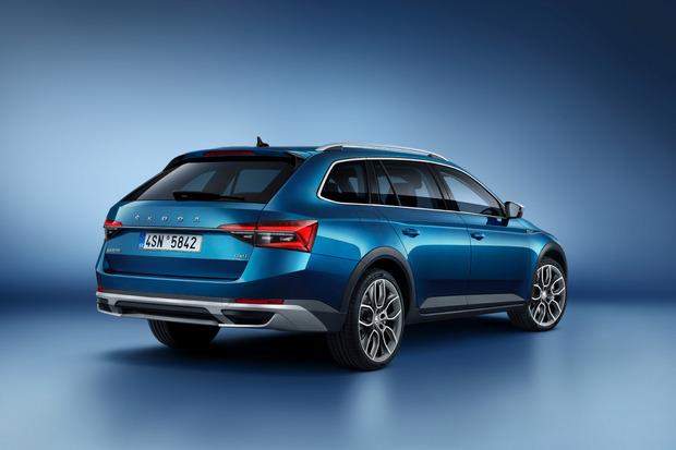 Er ist das erste Plug-in-Hybrid-Modell der Marke Škoda.
