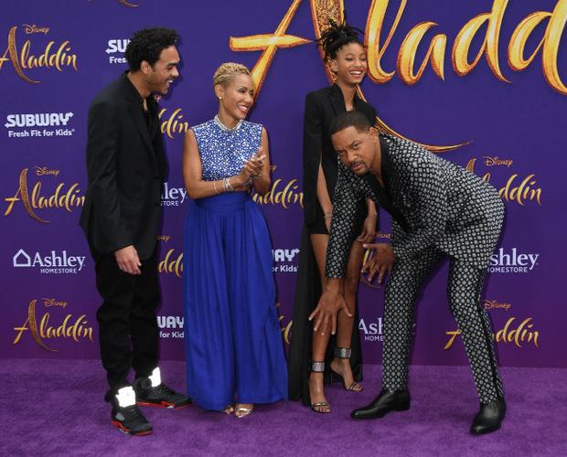 Bei der Filmpremiere des Disney-Streifens in Los Angeles blödelte der 50-Jährige mit seiner Tochter Willow.