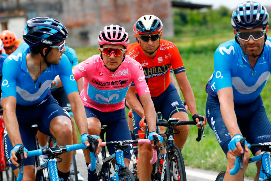 Richard Carapaz verteidigte auf der 15. Etappe das Rosa Trikot des Gesamtführenden erfolgreich.