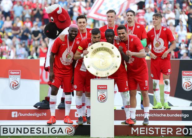 Nach dem Kantersieg stand bei Salzburg die Meisterparty auf dem Programm.