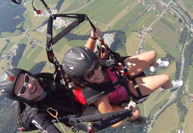 Der Kössener Unterberg mit seinen guten Hangaufwind-Bedingungen ist international bei Paragliding-Fans bekannt.