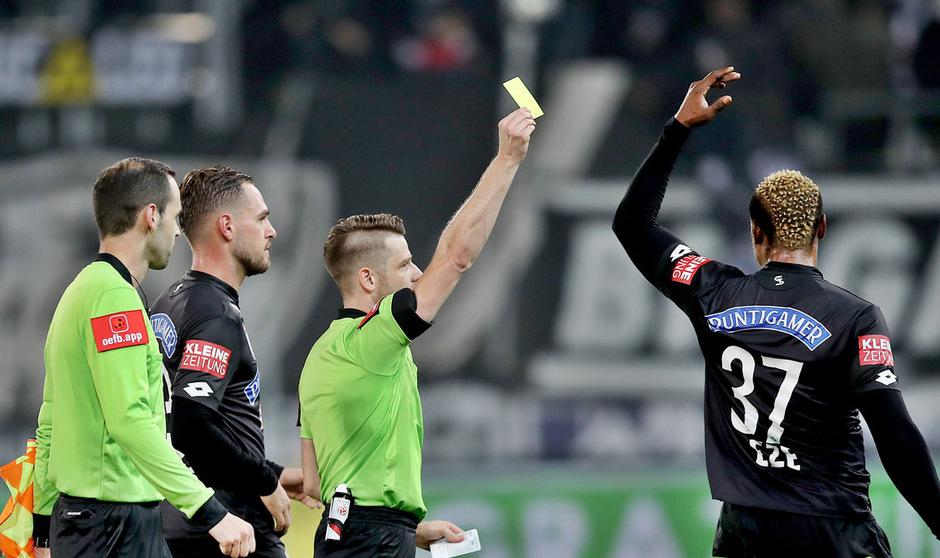 Auf den Tiroler Bundesliga-Schiedsrichter Andreas Heiß und seine Kollegen kommen einige Änderungen zu.